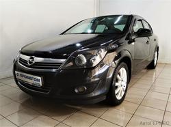 Opel  Astra седан H Рестайлинг • Седан • 2013